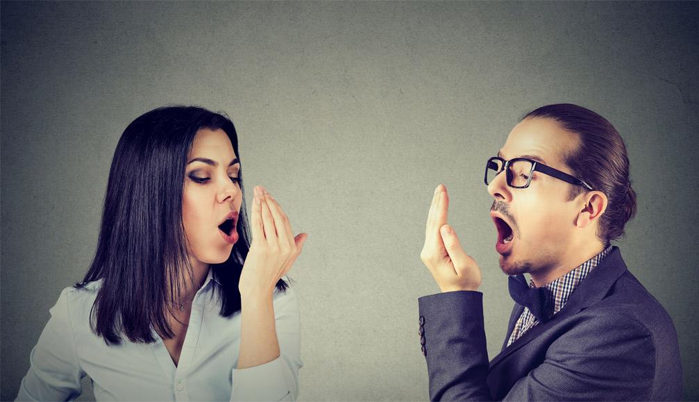 Blogo burnos kvapo priežastys